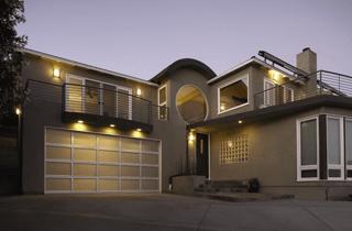 garage-door-accent-lighting-above.png